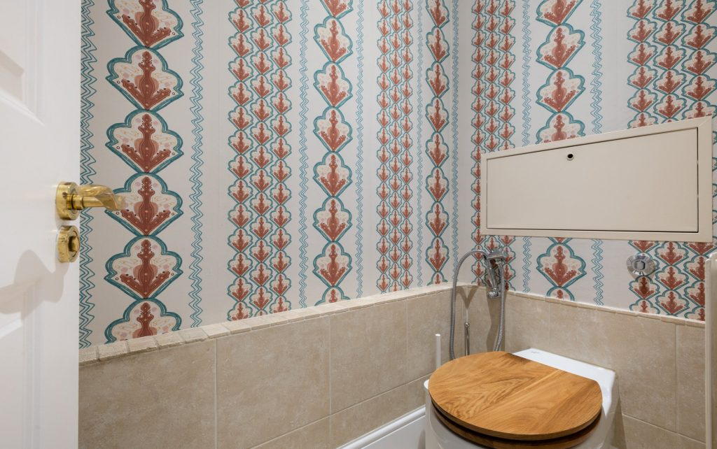 The Pimlico Townhouse, toilet room, ground floor, patterned wallpaper