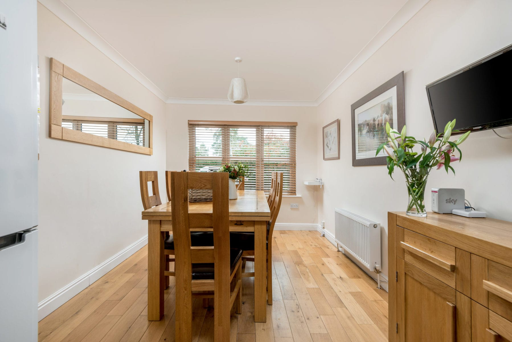 Mews Hill Cottage, breakfast dining area