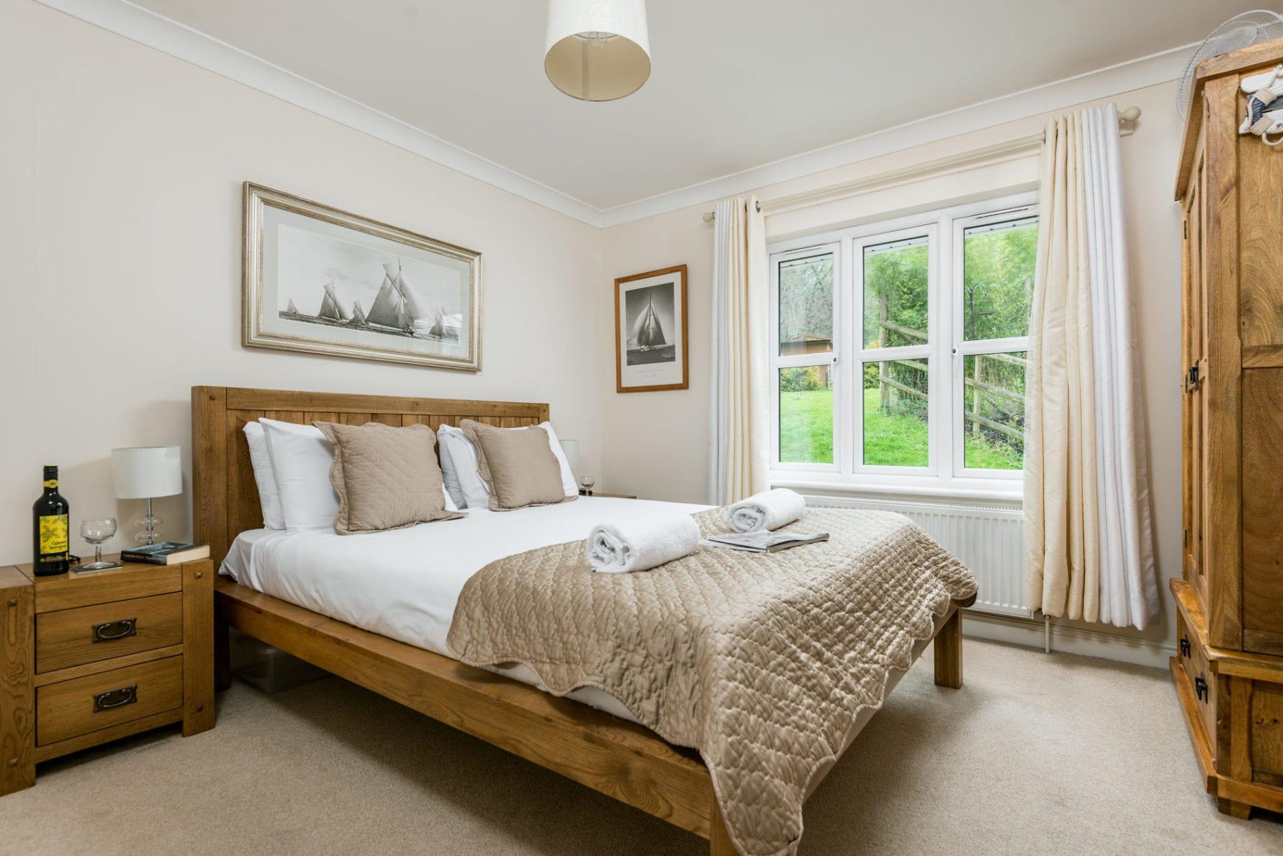 Mews Hill Cottage, ground floor double bedroom