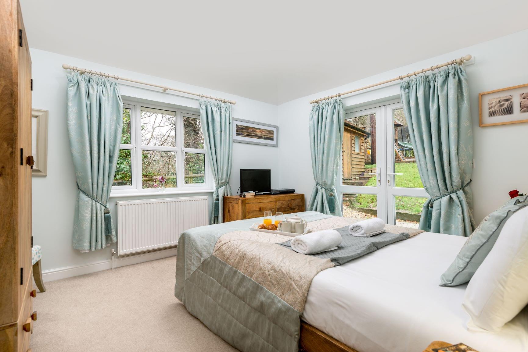 Mews Hill Cottage, Ground Floor King Size bedroom