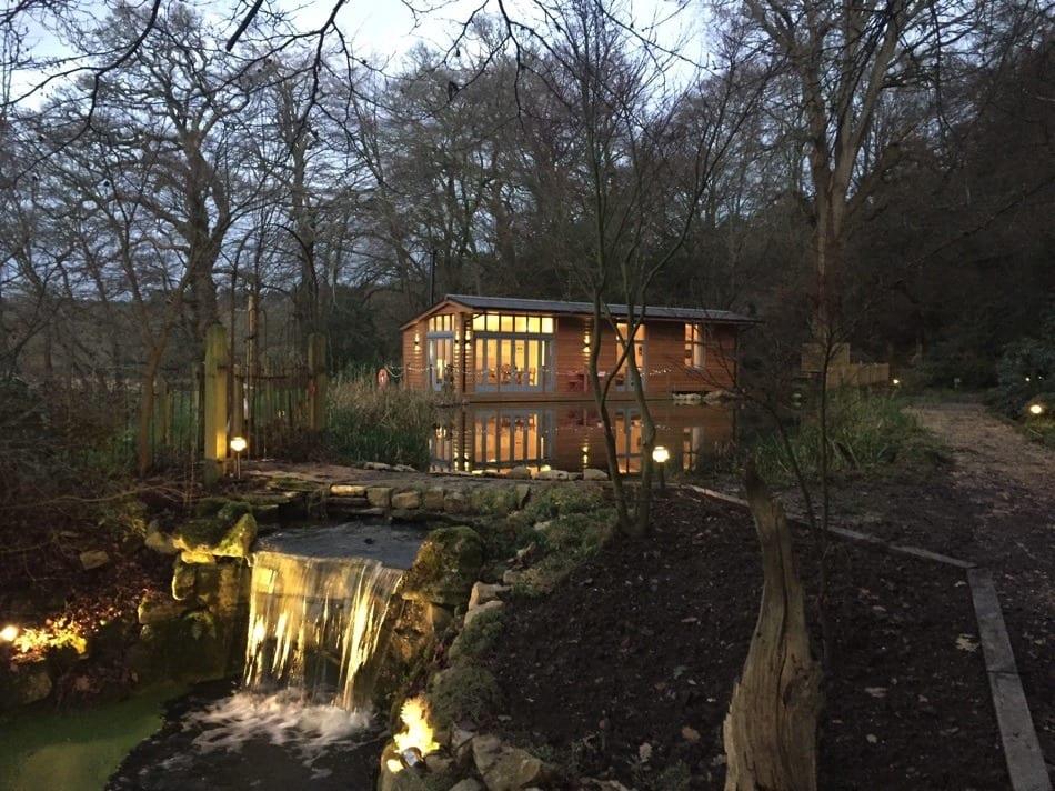 Riverside Lodge, waterfall